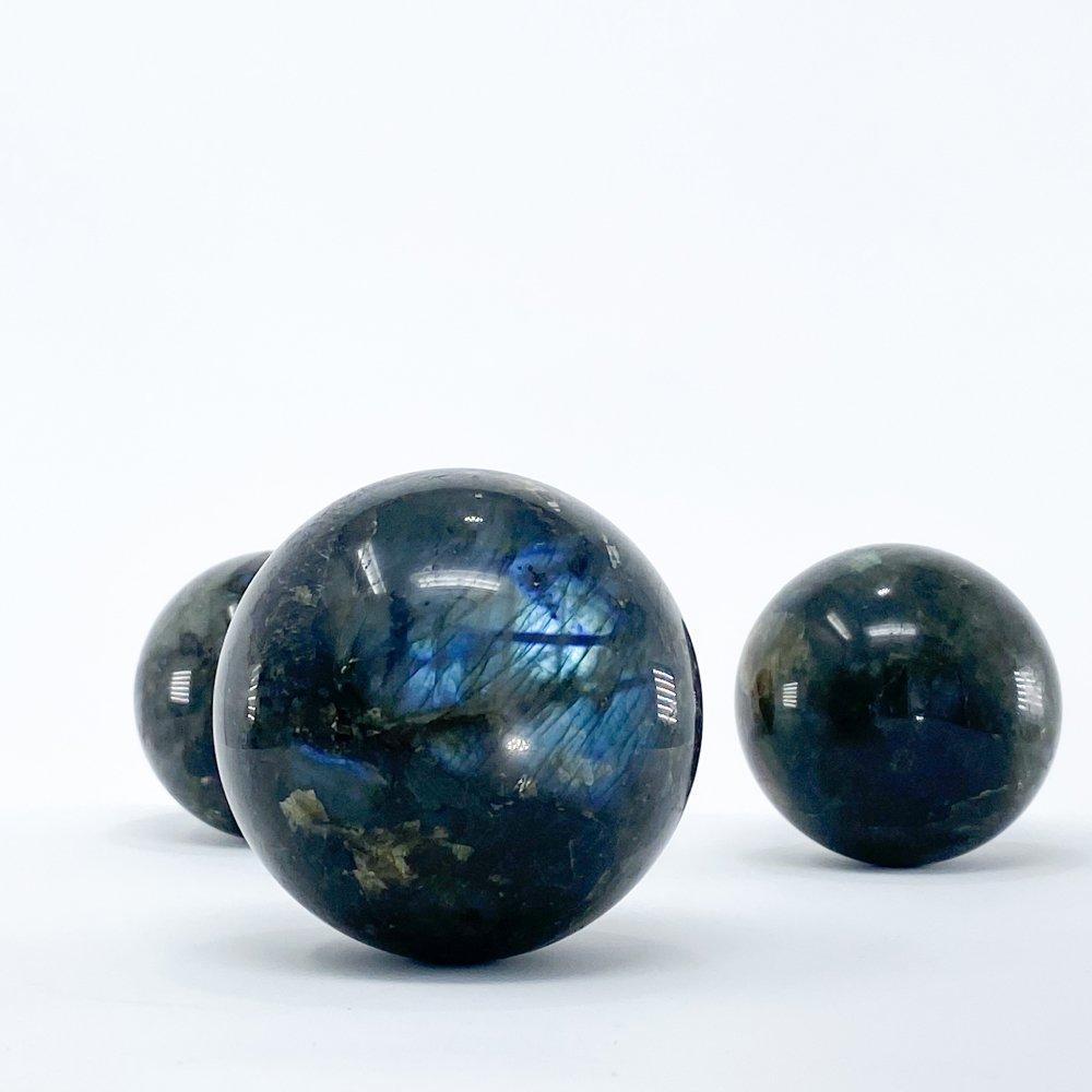 labradorite-sphere-crystal-ball