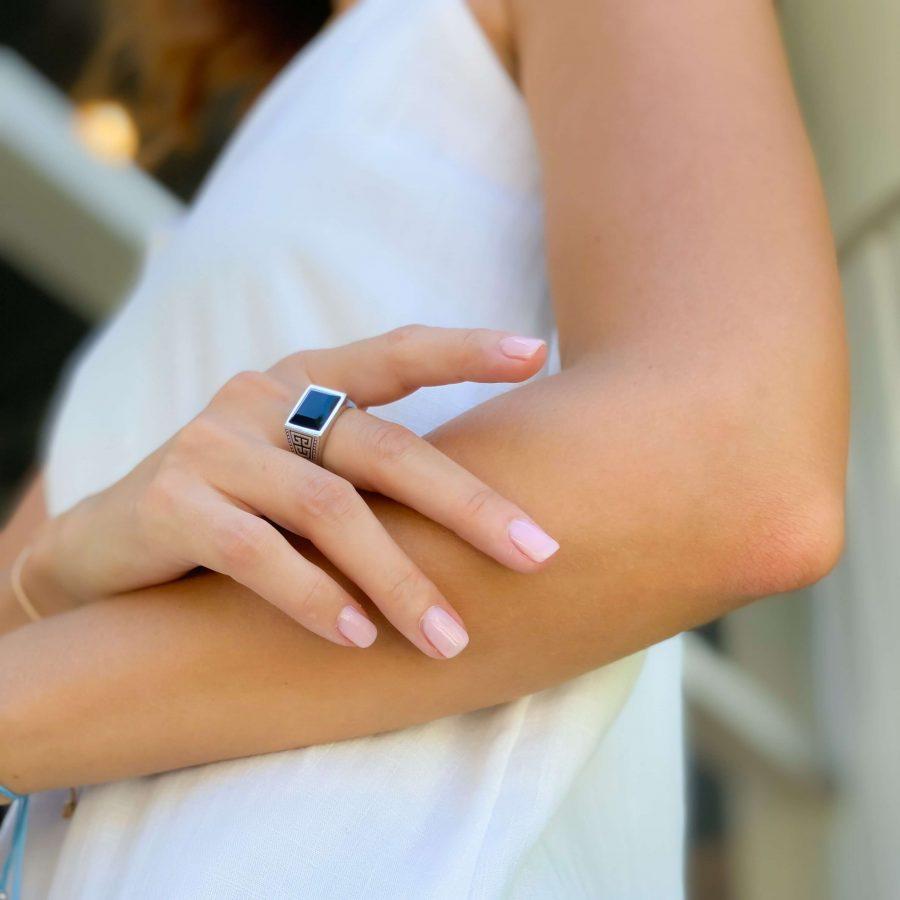 black onyx silver ring