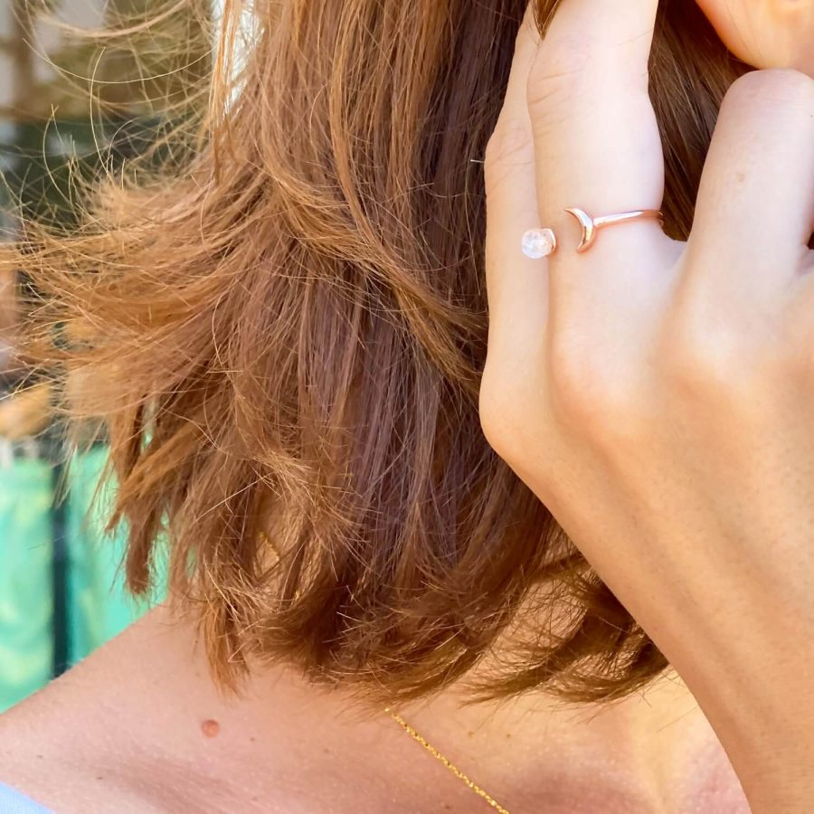 moonstone ring gold